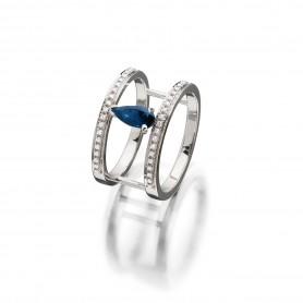 Ring Evaine aus der eigenen Goldschmiede in 18kt Weißgold mit blauen Saphiren und Brillanten