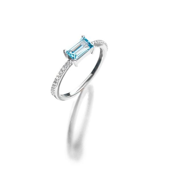 Zarter Ring der Kollektion Evaine mit feinen Brillanten und Aquamarin