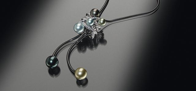 Die Schmuckmanufaktur Cablecar gewinnt mit dem Cablecar-Collier Evolution Pearl den 1. Preis beim Perlen Grand Prix. Damit wird bestätigt, dass die beste Perlenkreation des Jahres 2011 aus dem Hause Ableitner kommt.