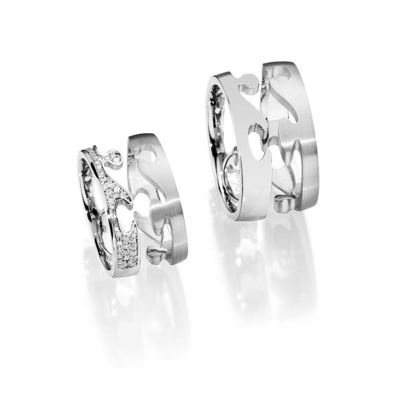 TEILBARKEIT Sie können wählen, ob Ihr Ring teilbar ist oder nicht. JA: Sie können Ihren Ring durch verschieben in zwei Hälften teilen und wieder zusammenfügen. NEIN: Die beiden Ringhälften sind fix miteinander verbunden.