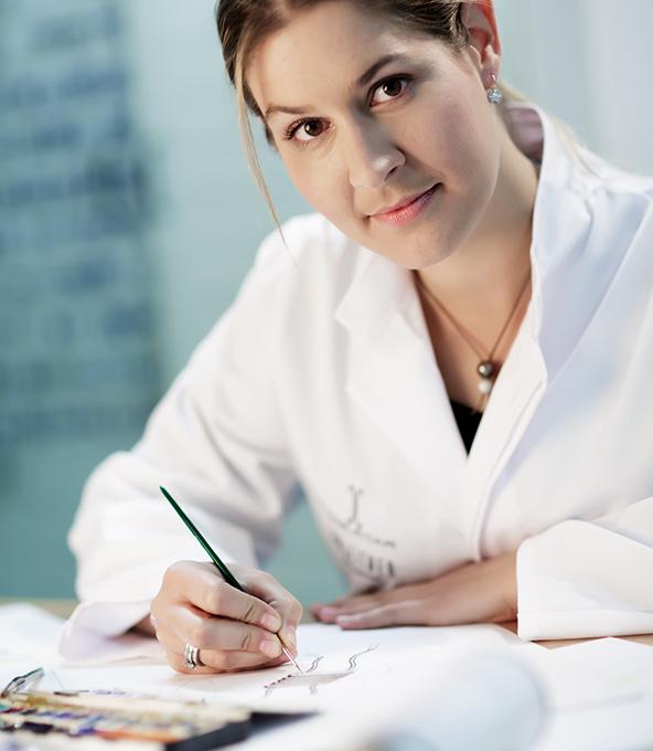 Johanna Limberger Goldschmiedin in der Manufaktur Ableitner Design / Verkauf