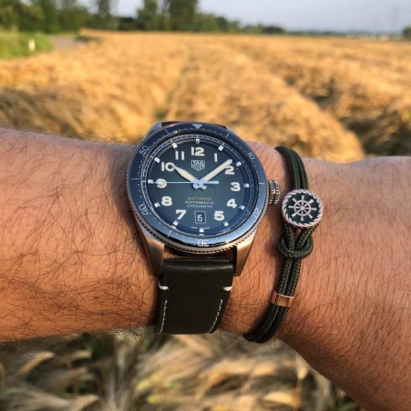 Kombination Armbanduhr und Armband