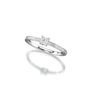 Verlobungsring mit Diamant im Fantasieschliff