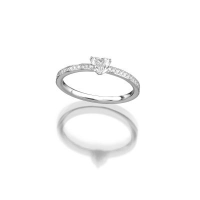 Verlobungsring mit Herzdiamant