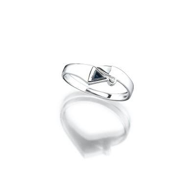Zarter Ring in Weißgold mit Saphir und Brillant