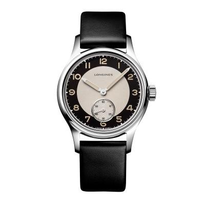 Armbanduhr im Stil der 1940er Jahren